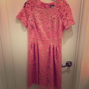 Vince Camuto pink lace dress with pockets!!!